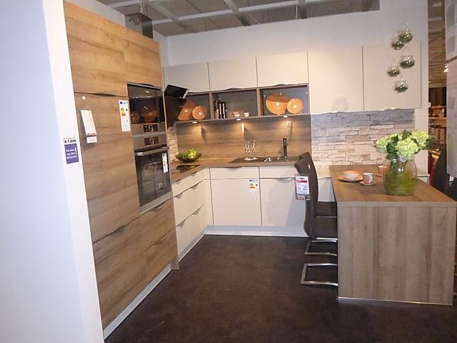Nobilia-Musterküche Nobilia Touch L-Küche mit Essbereich ...