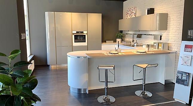 Lube-Musterküche italienische Designküche Küchenhersteller ...