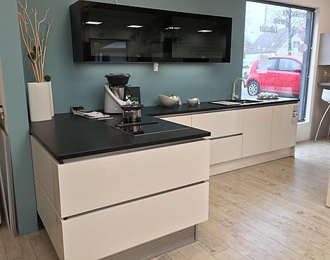 musterk chen von h cker angebots bersicht g nstiger ausstellungsk chen. Black Bedroom Furniture Sets. Home Design Ideas