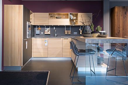 Moderne Grifflose L-Küche
