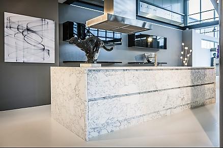 Erleben Sie moderne Einbauküchen bei Stall Treffpunkt Küche