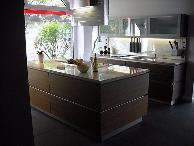 miele k chen musterk che grifflose edle k che mit granit arbeitsplatte ausstellungsk che in. Black Bedroom Furniture Sets. Home Design Ideas