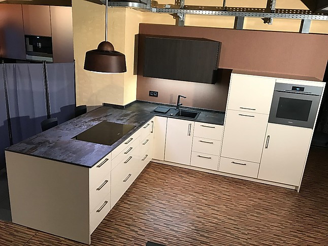 artego musterk che hochwertige k che mit hochglanzlack fronten in magnolie die m bel lassen. Black Bedroom Furniture Sets. Home Design Ideas