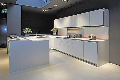 siematic musterk che moderne designk che ausstellungsk che in nettetal von anton thelen gmbh. Black Bedroom Furniture Sets. Home Design Ideas
