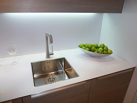 Hochwertige Materialien finden Sie bei Hirzbauer ... Ihr Küchenbauer in Augsburg