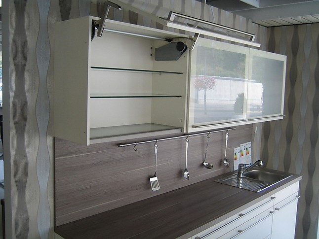 bauformat musterk che magnolie matt ausstellungsk che in von. Black Bedroom Furniture Sets. Home Design Ideas