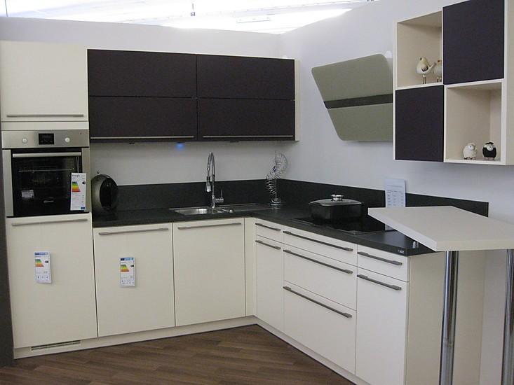 brigitte musterk che moderne matt lack front in l form ausstellungsk che in pommelsbrunn von. Black Bedroom Furniture Sets. Home Design Ideas