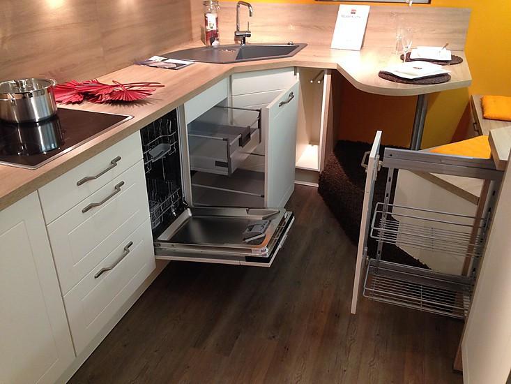 burger musterk che gem tliche kleine design k che mit viel. Black Bedroom Furniture Sets. Home Design Ideas