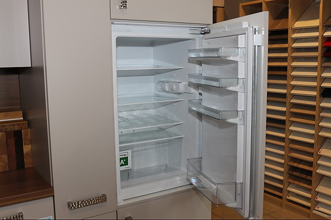 Siemens Kühlschrank A : Kühlschrank ki rv flachscharnier siemens einbau kühlschrank