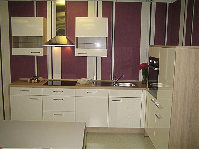 nobilia musterk che hochglanz wei ausstellungsk che in von. Black Bedroom Furniture Sets. Home Design Ideas
