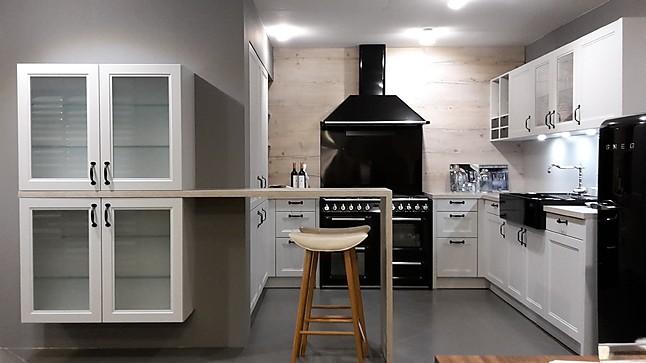 sch ller musterk che sch ller gem tliche landhausk che cambia ausstellungsk che in kirchheim. Black Bedroom Furniture Sets. Home Design Ideas