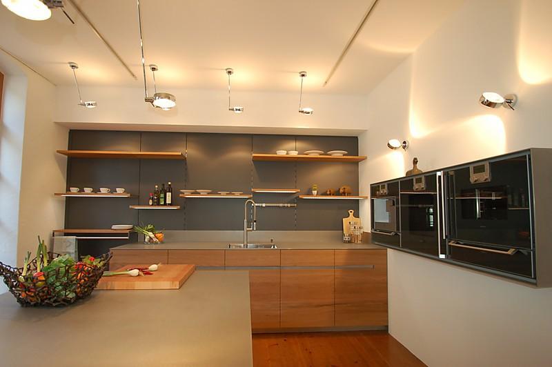 Küchenlounge Wolfach ~ front aus massiven 3 schichtplatten auf gehrung, massive 5mm edelstahlplatte, bora professional
