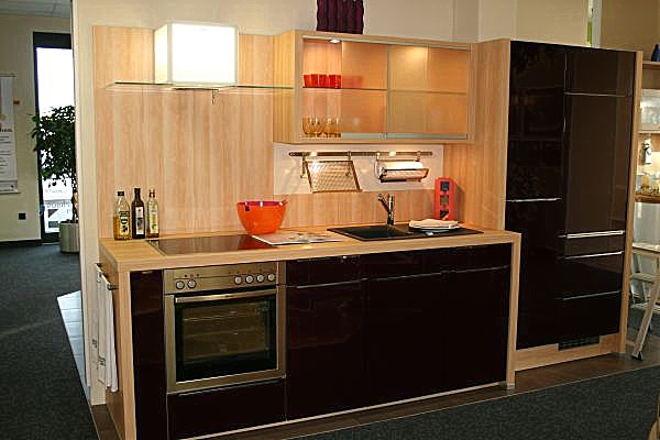Nolte nova lack purpur hochglänzend moderne küche mit hochglanz front