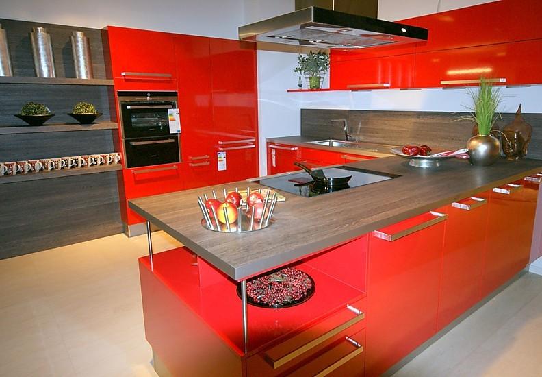 global k chen musterk che leuchtend rote einbauk che ausstellungsk che in bad s ckingen von. Black Bedroom Furniture Sets. Home Design Ideas