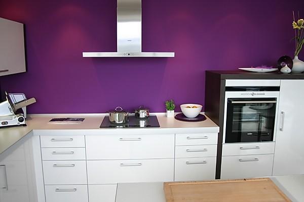 Mit Freistehenden Arbeitsplatte : Weiße Moderne Küche Arbeitsplatte ...