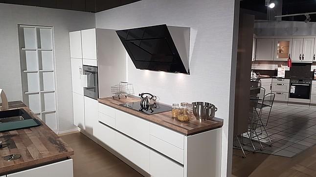 Wellmann küchen grifflos  Wellmann-Musterküche Grifflose Design Küche: Ausstellungsküche in ...