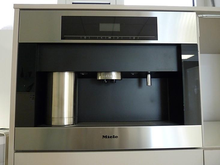 sonstige einbau kaffeevollautomat mit mahlwerk miele cva 5060 miele k chenger t von. Black Bedroom Furniture Sets. Home Design Ideas