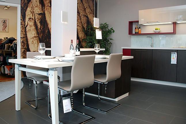 schmidt k chen musterk che interessant gestaltete k che mit kochinsel und essgelegenheit. Black Bedroom Furniture Sets. Home Design Ideas