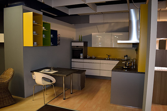 Nobilia   Feel/Flash Moderne L Küche In Weiß Hochglanz