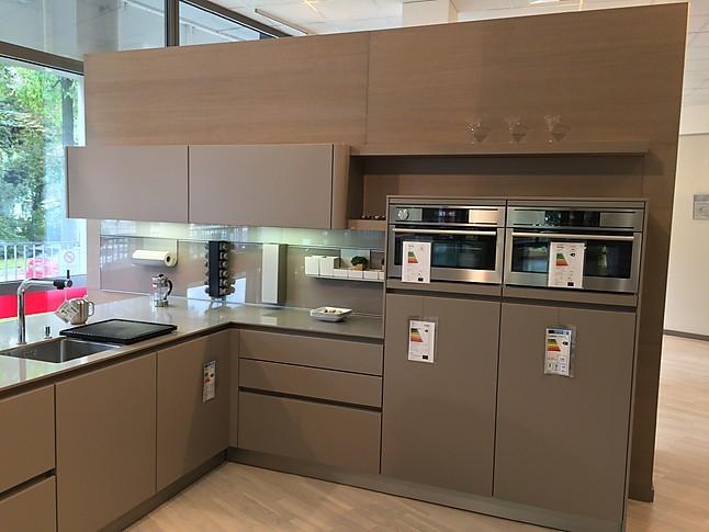 next125 musterk che premium k che next tr ffelbraun nl 502 ausstellungsk che in freiburg von. Black Bedroom Furniture Sets. Home Design Ideas