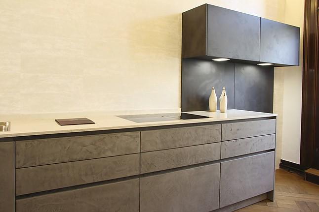 eggersmann musterk che grifflose k che mit echten betonfronten ausstellungsk che in wuppertal. Black Bedroom Furniture Sets. Home Design Ideas