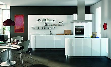 Moderne Designküche von KÜCHEN AT HOME in runder Ausführung