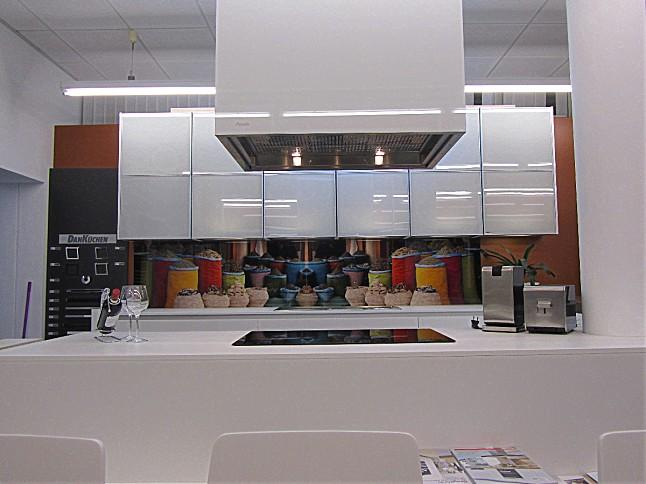 Küchenangebote münchen  DAN-Küchen-Musterküche Lack Designküche Grifflos: Ausstellungsküche ...