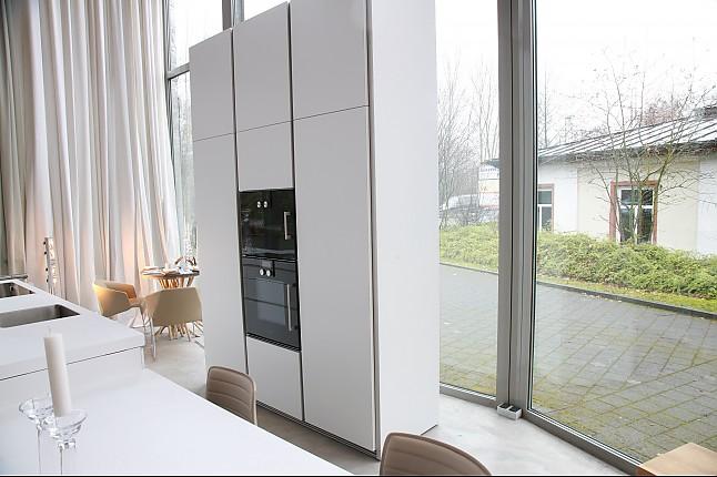 bulthaup musterk che musterk che b1 ausstellungsk che in aschaffenburg von wohnhaus aschaffenburg. Black Bedroom Furniture Sets. Home Design Ideas