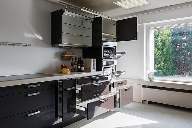 siematic musterk che moderne k che mit fronten in lack hochglanz ausstellungsk che in osnabr ck. Black Bedroom Furniture Sets. Home Design Ideas