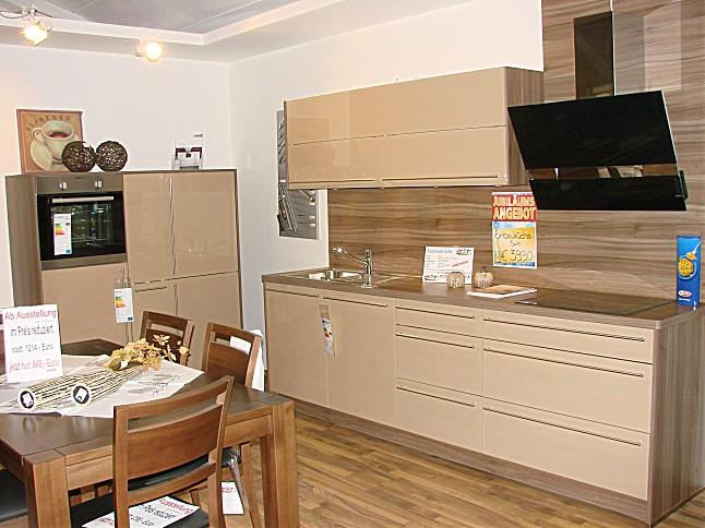 roller einbaukche kuche design magnolia kche einbaukche express modell win magnolia matt. Black Bedroom Furniture Sets. Home Design Ideas