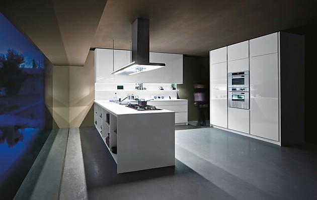 Family grifflose u küche in modernem stil weiß glänzend