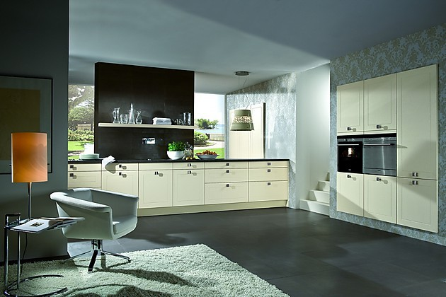 Weiße Küche Lackiert : ... Creme Lackiert Küchen Wandborde In Eiche ...