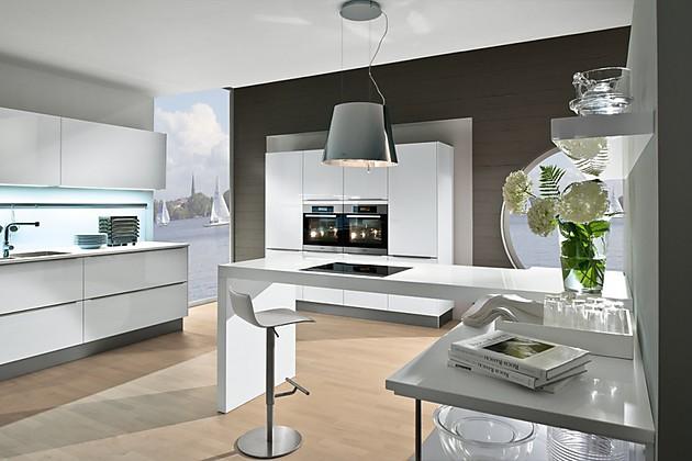 hoher tisch barhocker kann man daran essen esszimmer. Black Bedroom Furniture Sets. Home Design Ideas