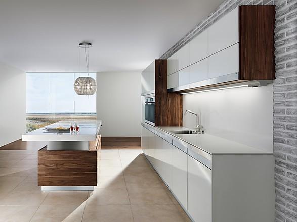 Küchen design in weiß hochglanz und graue wendeltreppe   2015 10 ...