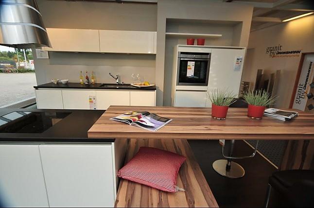 h cker musterk che moderne k che von h cker mit kochinsel. Black Bedroom Furniture Sets. Home Design Ideas