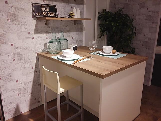 nobilia musterk che elegantes landhaus k che ausstellungsk che in iserlohn von m beltrends. Black Bedroom Furniture Sets. Home Design Ideas