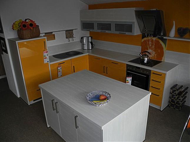 burger musterk che k che mit insel hochglanz lackiert farbe papaya kombiniert mit avola. Black Bedroom Furniture Sets. Home Design Ideas