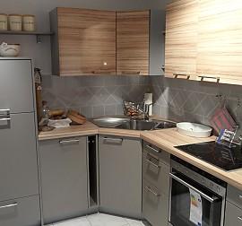 st rmer k chen musterk che k che10 matt lack mit holz. Black Bedroom Furniture Sets. Home Design Ideas