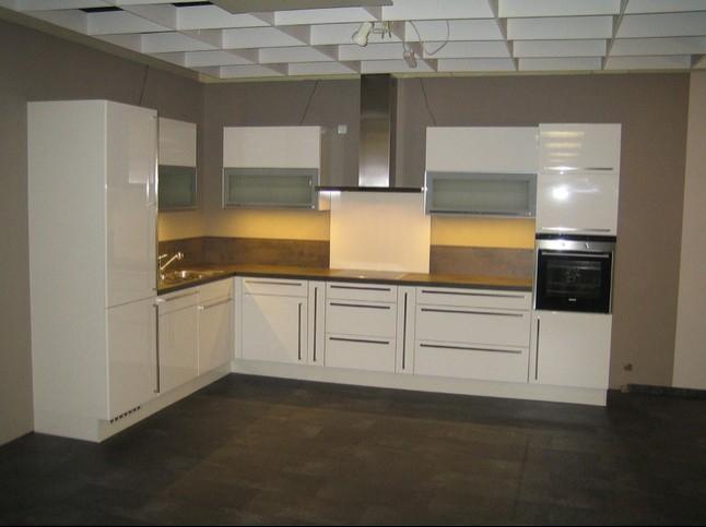 nobilia musterk che hochglanz lack wei ausstellungsk che in von. Black Bedroom Furniture Sets. Home Design Ideas