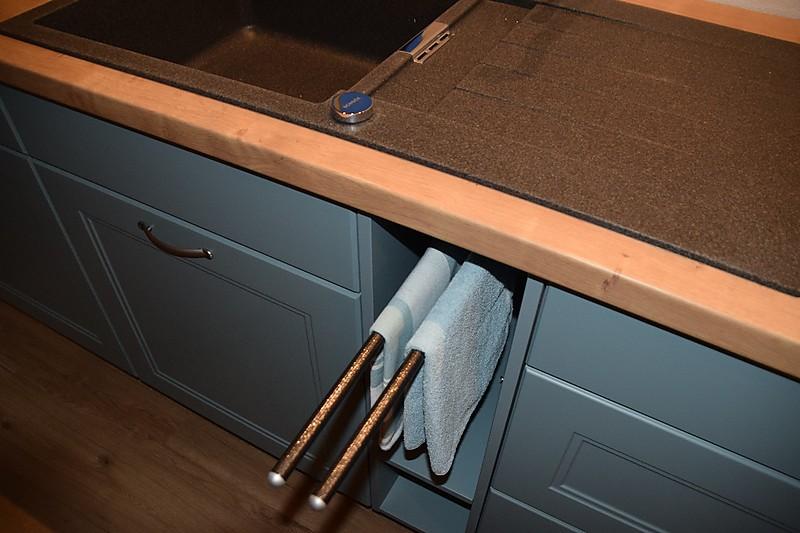 Küchen Handtuchhalter ~ nolte einbauküche in lack opal softmatt chalet eiche, handtuchhalter farblich passend zur spüle