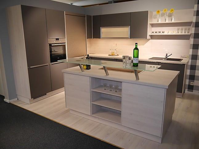 Selektion D-Musterküche L-Küche mit Kochinsel ...