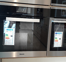 Backofen TFT-Touch-On-Display mit Klartext
