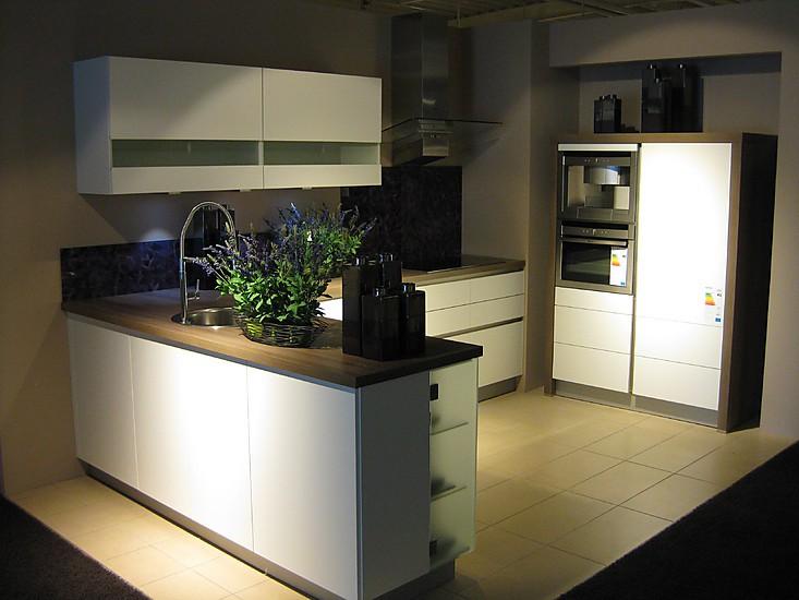sch ller musterk che moderne k che ausstellungsk che in beckum neubeckum von kuschnereit. Black Bedroom Furniture Sets. Home Design Ideas
