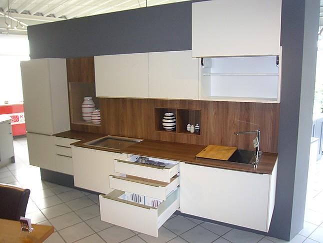 rational musterk che schwebende k chenzeile ausstellungsk che in buxtehude von die k chen diele. Black Bedroom Furniture Sets. Home Design Ideas