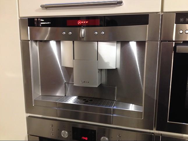 kaffeevollautomaten cv 7760n einbau kaffeevollautomat neff k chenger t von hansens k chentreff. Black Bedroom Furniture Sets. Home Design Ideas