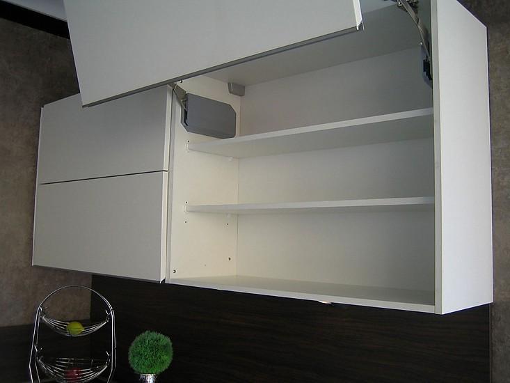 nobilia musterk che musterk che in lack wei matt mit. Black Bedroom Furniture Sets. Home Design Ideas