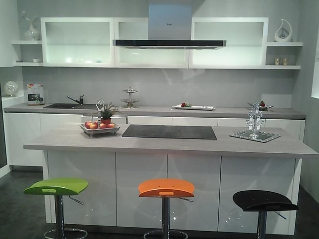 best h cker k chen ausstellung photos ridgewayng. Black Bedroom Furniture Sets. Home Design Ideas