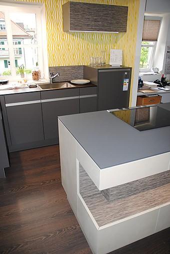 rempp musterk che moderne k che in beton optik ausstellungsk che in bad t lz von k chenzentrum. Black Bedroom Furniture Sets. Home Design Ideas