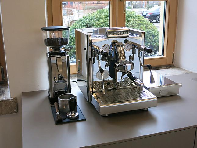 kaffeevollautomaten elektronika profi ii hochwertige kaffeemaschine ecm k chenger t von ideen. Black Bedroom Furniture Sets. Home Design Ideas