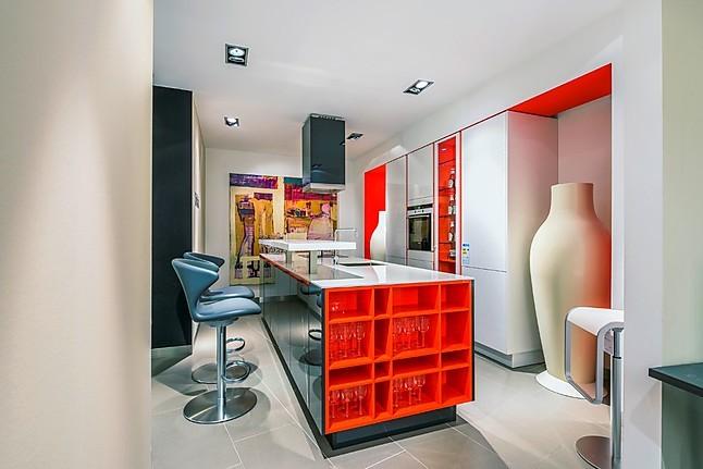 siematic musterk che moderne k che mit hochglanzfronten. Black Bedroom Furniture Sets. Home Design Ideas
